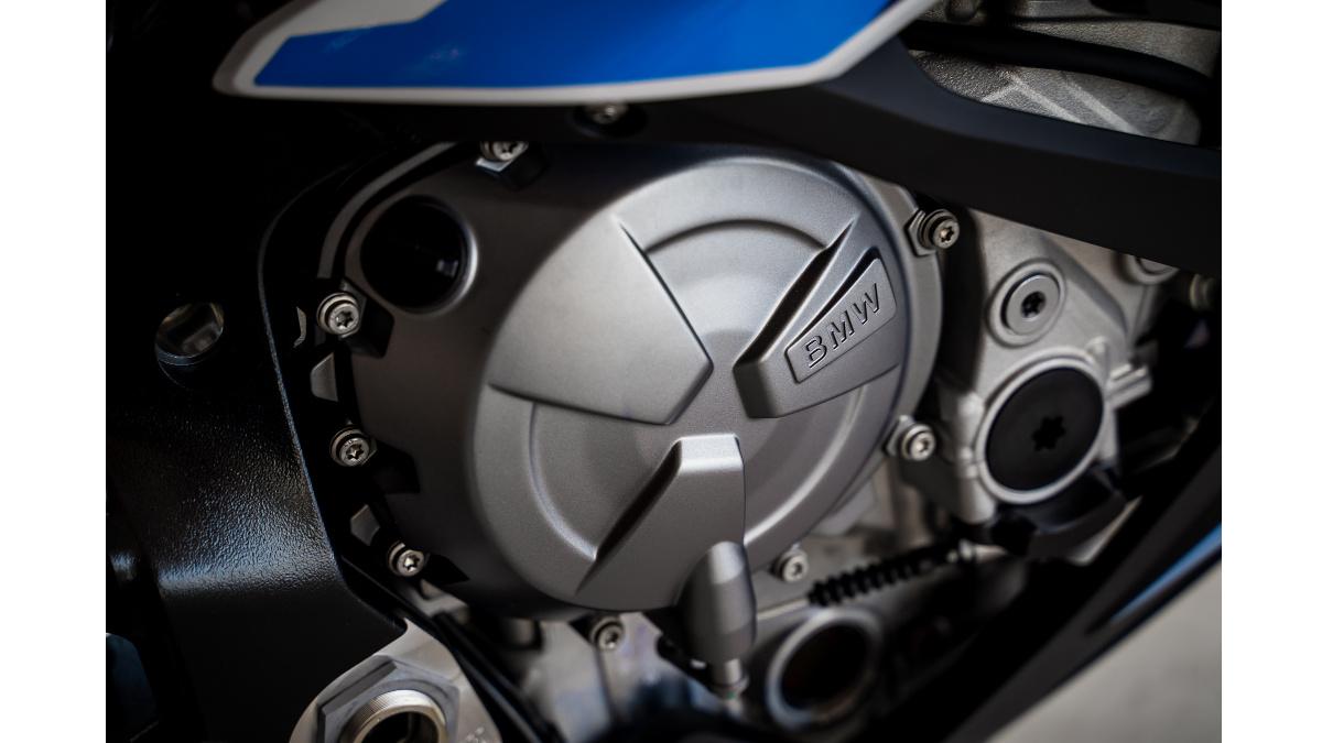 2021 BMW M1000RR Engine
