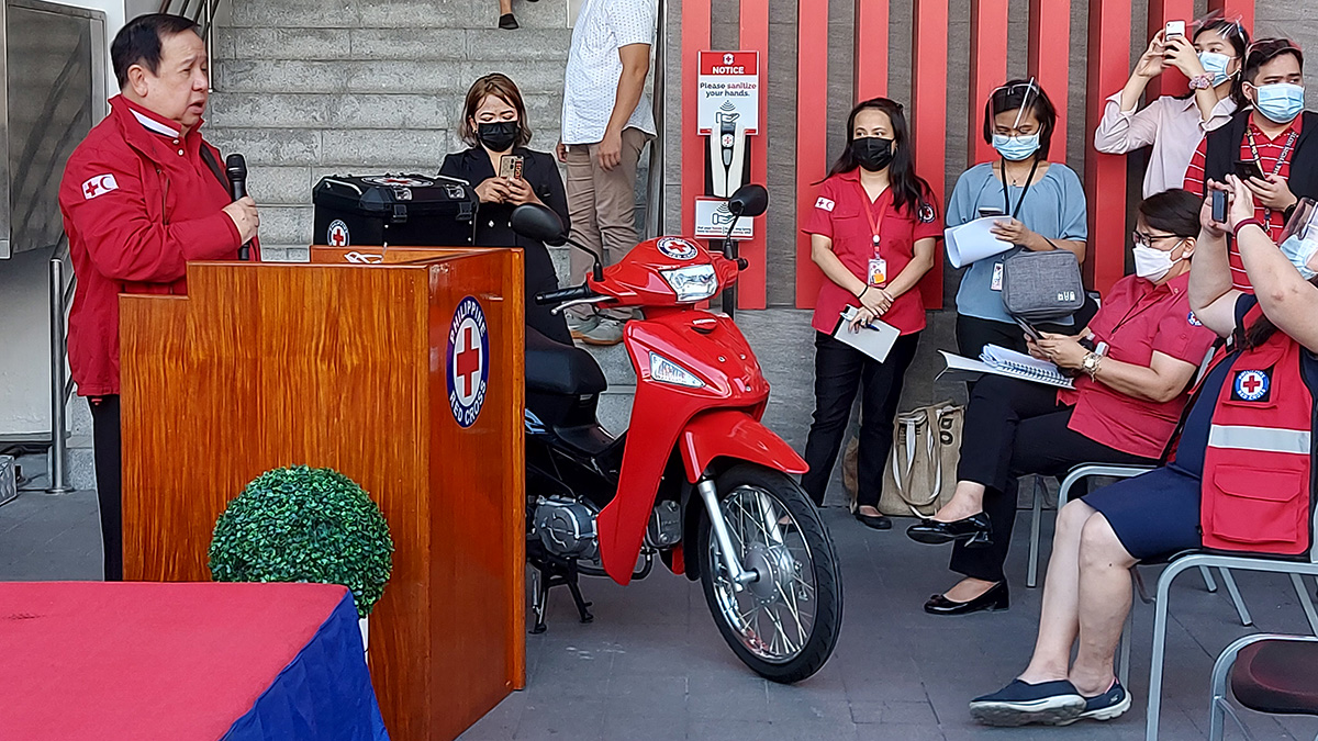 Sen. Dick Gordon at the turnover ceremony of Honda Philippines motorcycle donation to Philippine Red Cross