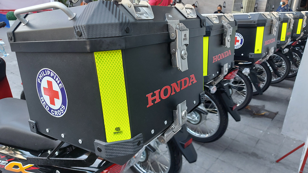 Honda Philippines donates 21 motorcycles with top box to Philippine Red Cross
