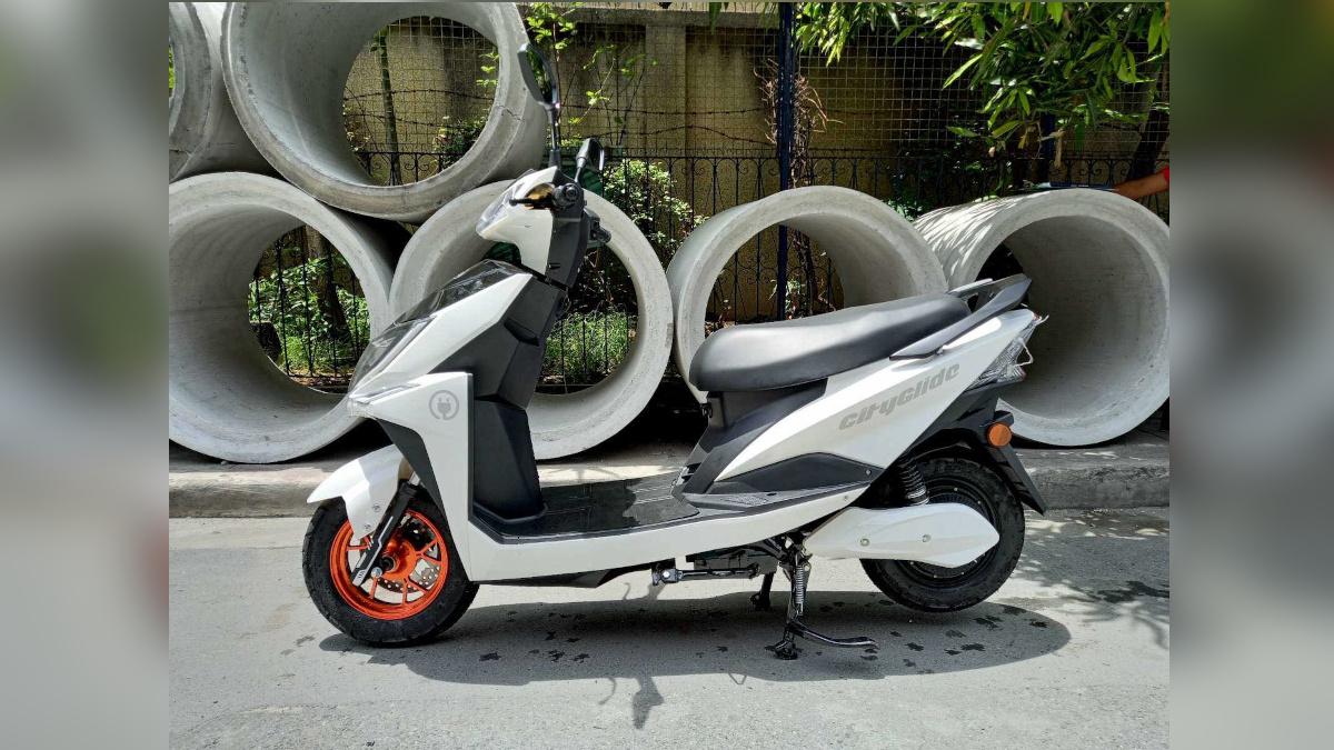 NEU City Glide electric scooter