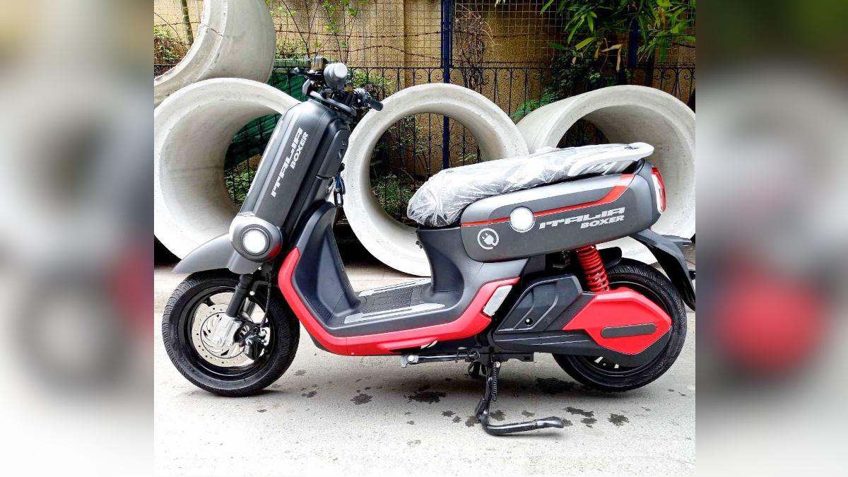 NEU Italia Boxer electric scooter