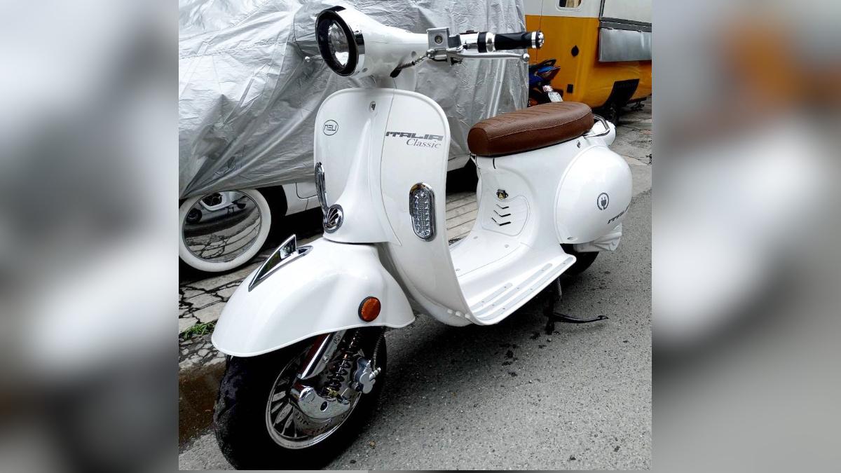 NEU Italia Classic electric scooter