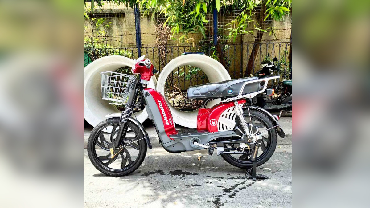 NEU Wander electric scooter