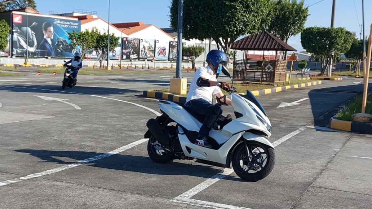 Honda Safety Driving Center offers MotoGymkhana riding course