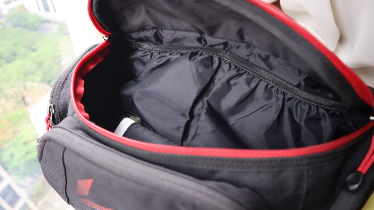 RS Taichi RSB267 Waist Bag's main compartment grants access to five liters of space