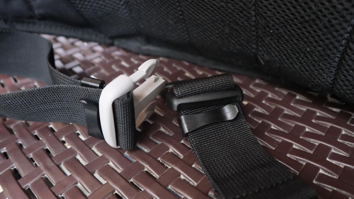 RS Taichi RSB267 Waist Bag adjustable buckle