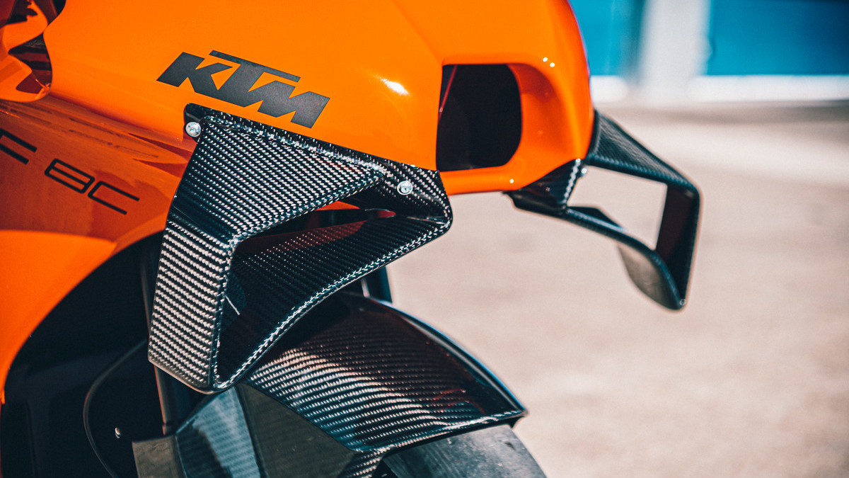 2021 KTM RC 8C carbon fibers