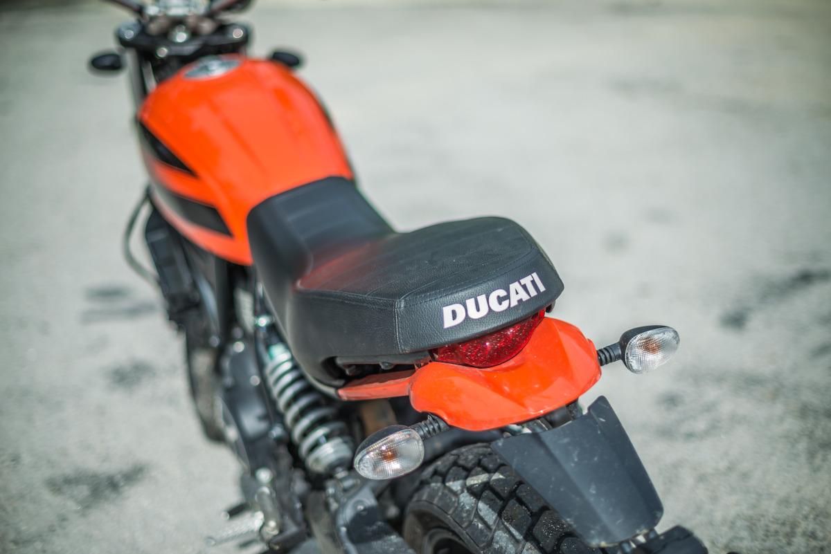 2020 Ducati Scrambler Sixty2 saddle