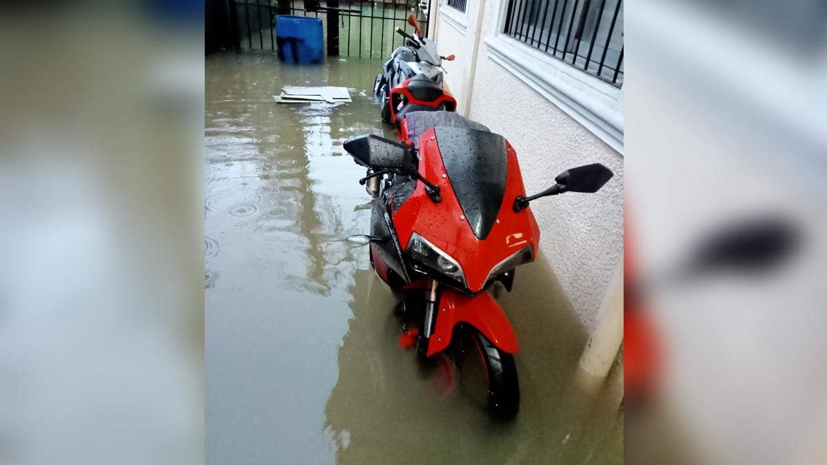 Motostar Z200 scooter submerged in flood