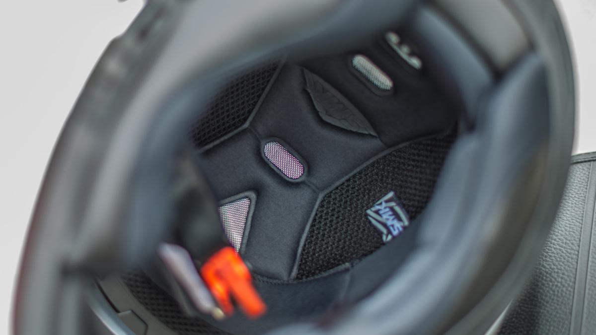 SMK Twister full-face helmet padding