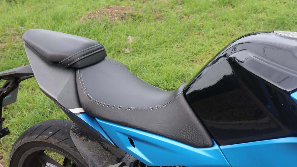 2020 CFMoto 650NK saddle