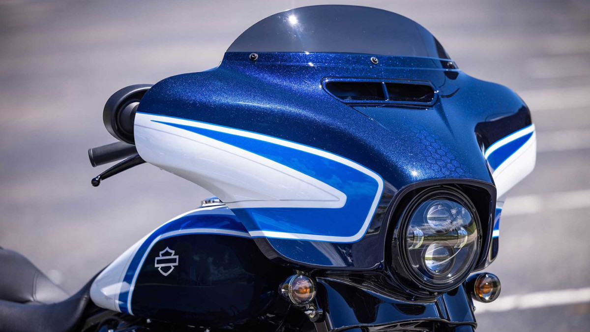 2021 Harley-Davidson Street Glide Special Arctic Blast