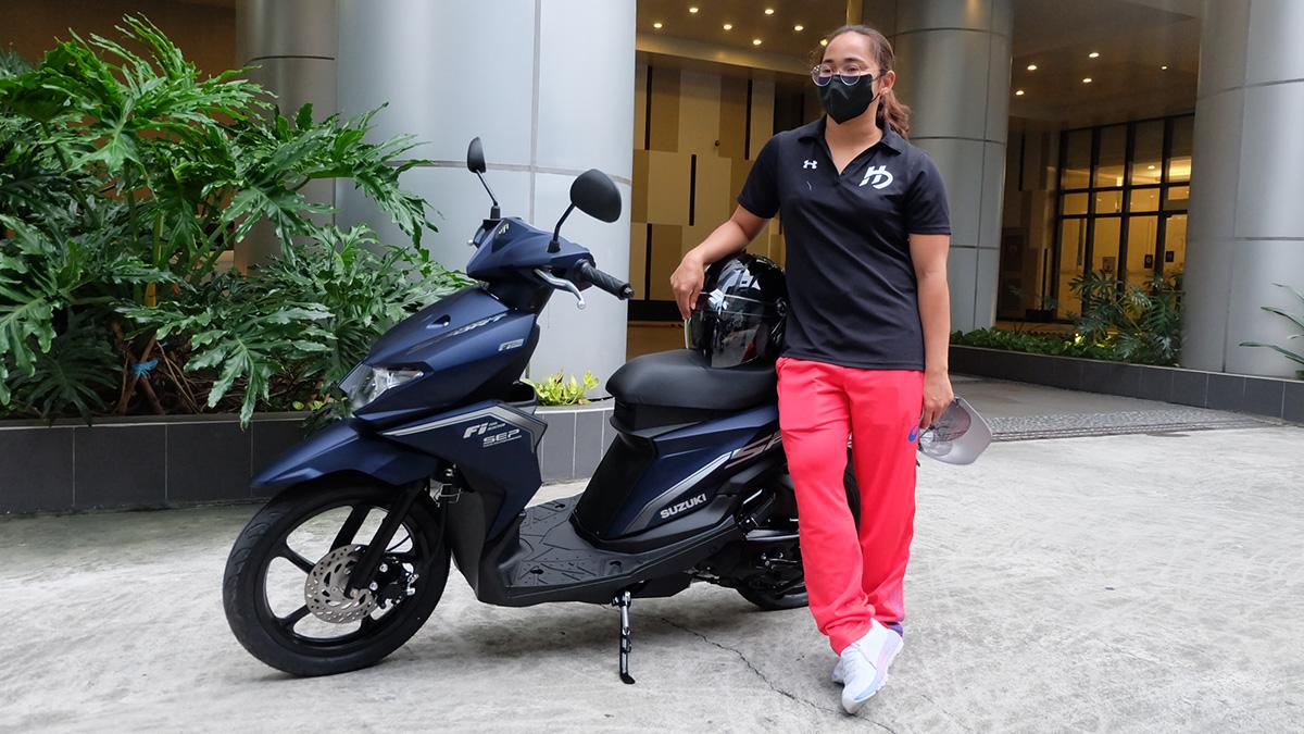 Hidilyn Diaz gets a brand new Suzuki Skydrive Sport from Suzuki PH