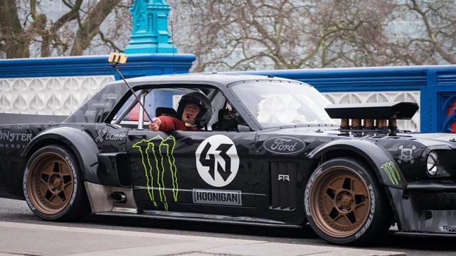 Matt LeBlanc returns as 'Top Gear' host