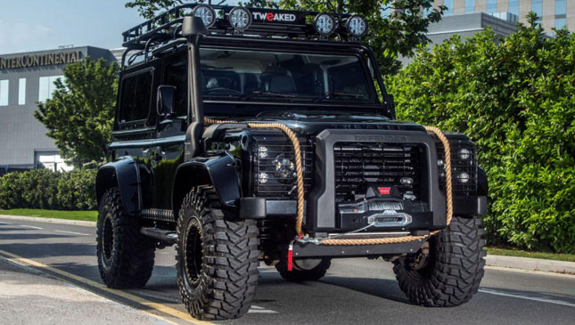 Land Rover Defender Spectre Edition