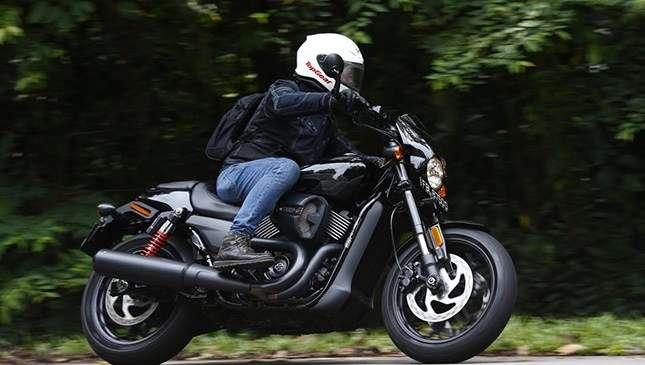 Review 2017 Harley Davidson Street Rod 750