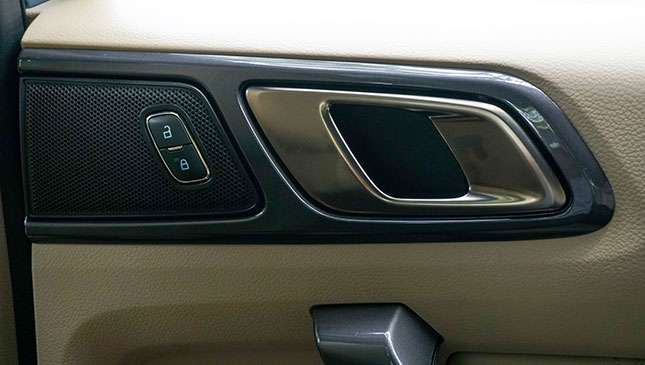 How do I solve issues with my car's alarm and door lock system?
