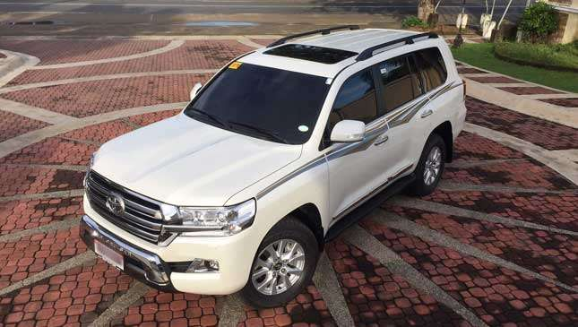 Land Cruiser 200 Premium: Review, Specs, Price, Photos | Drives | Top Gear  Philippines