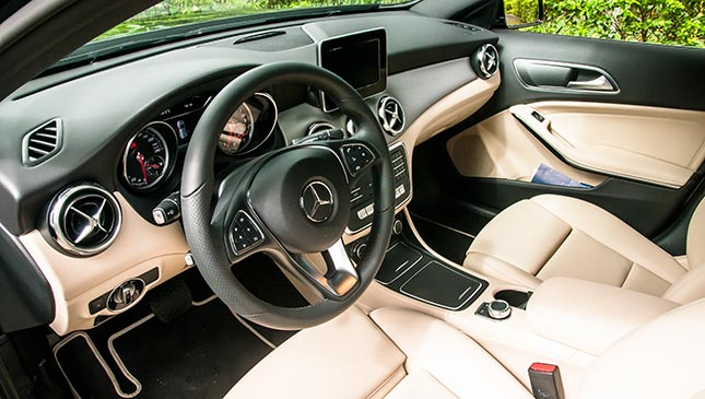 Mercedes benz gla 180 review specs price for Mercedes benz gla 180 review