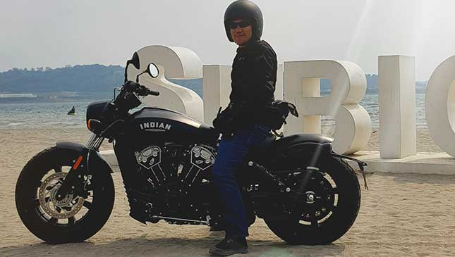 Torn between two Indian cruisers: Scout Sixty vs  Scout Bobber