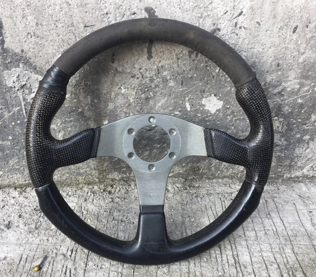 How to restore an old steering wheel