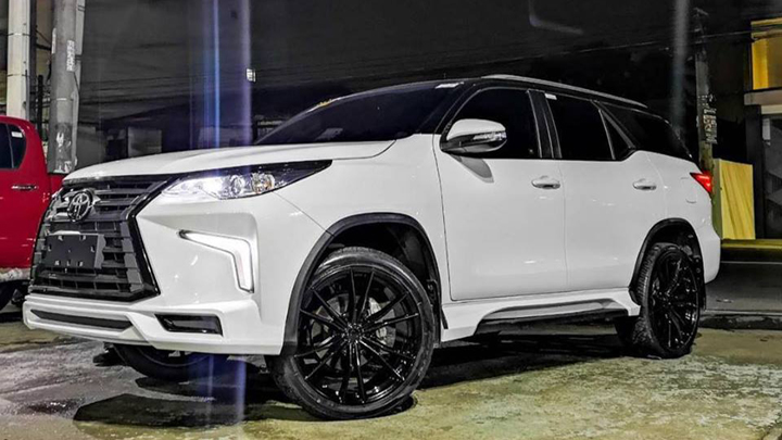 What do you think of Scottie Thompson's modified Toyota