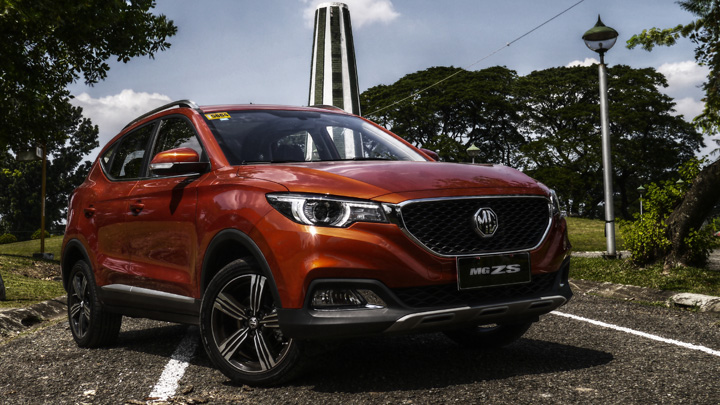 Mg Zs 1 5 Alpha At Price Specs Review Photos