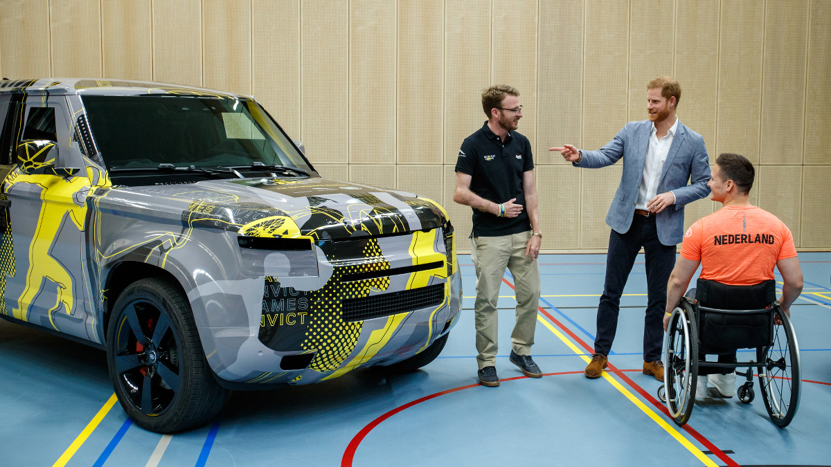 Prince Harry gets a close-up at the all-new Land Rover ...