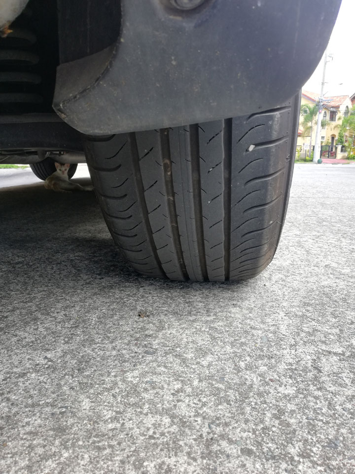 What are the common tire tread patterns and why are they important?