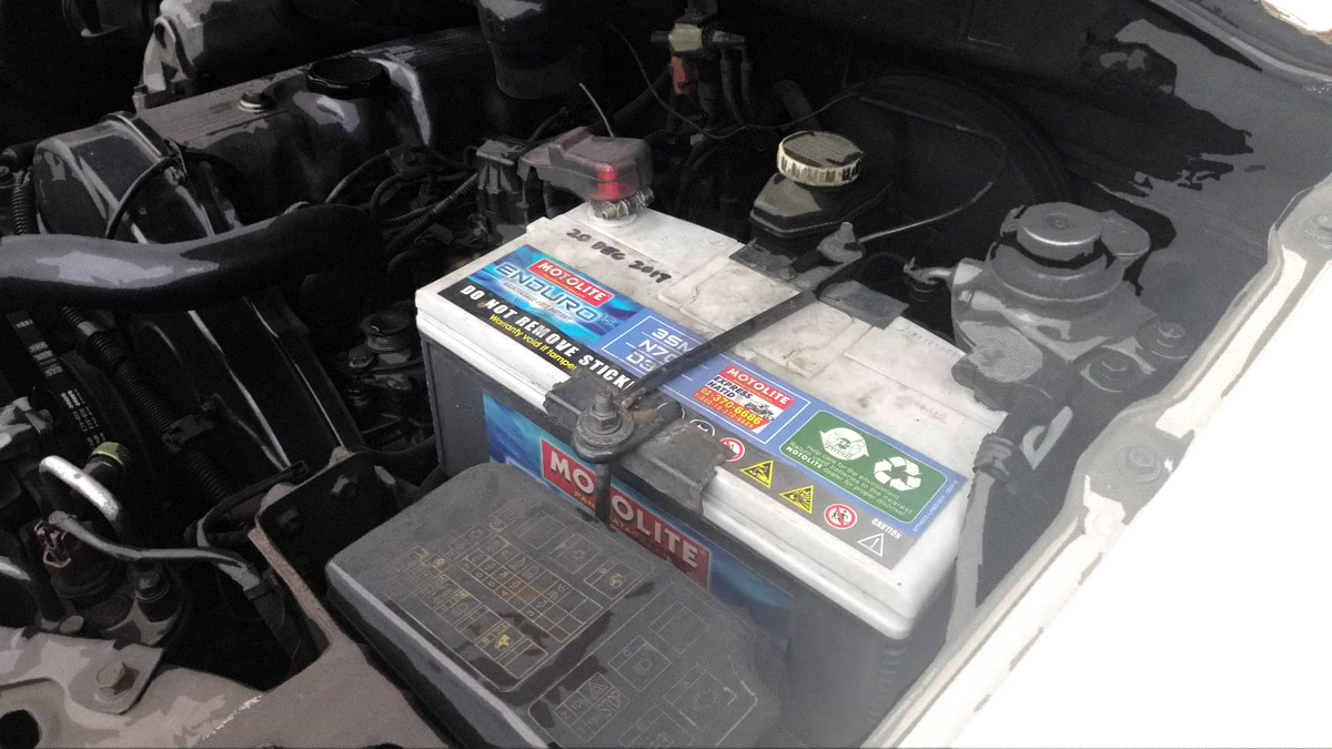 How to clean your car battery's terminals DIY-style