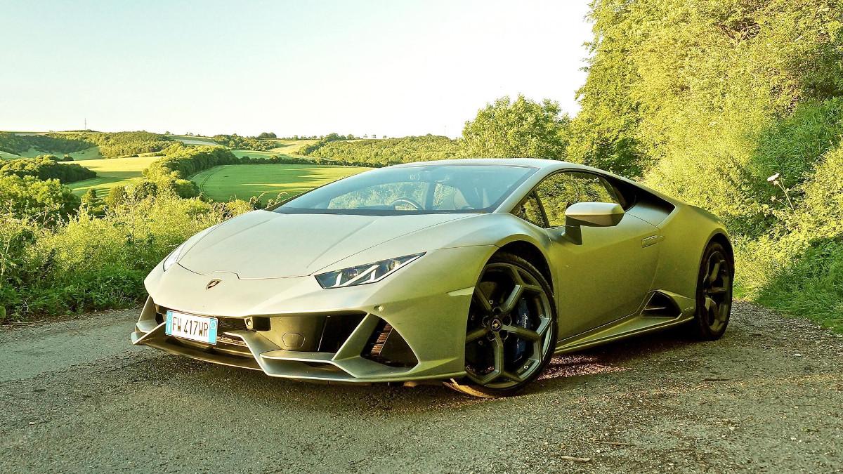 The new Lamborghini Huracan Evo is a demolisher of roads
