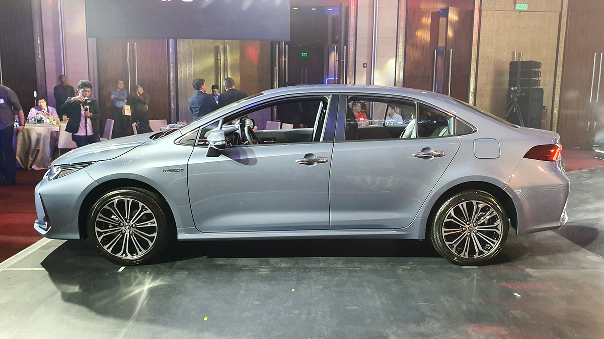 2020 Toyota Corolla Altis: Specs, Prices, Features