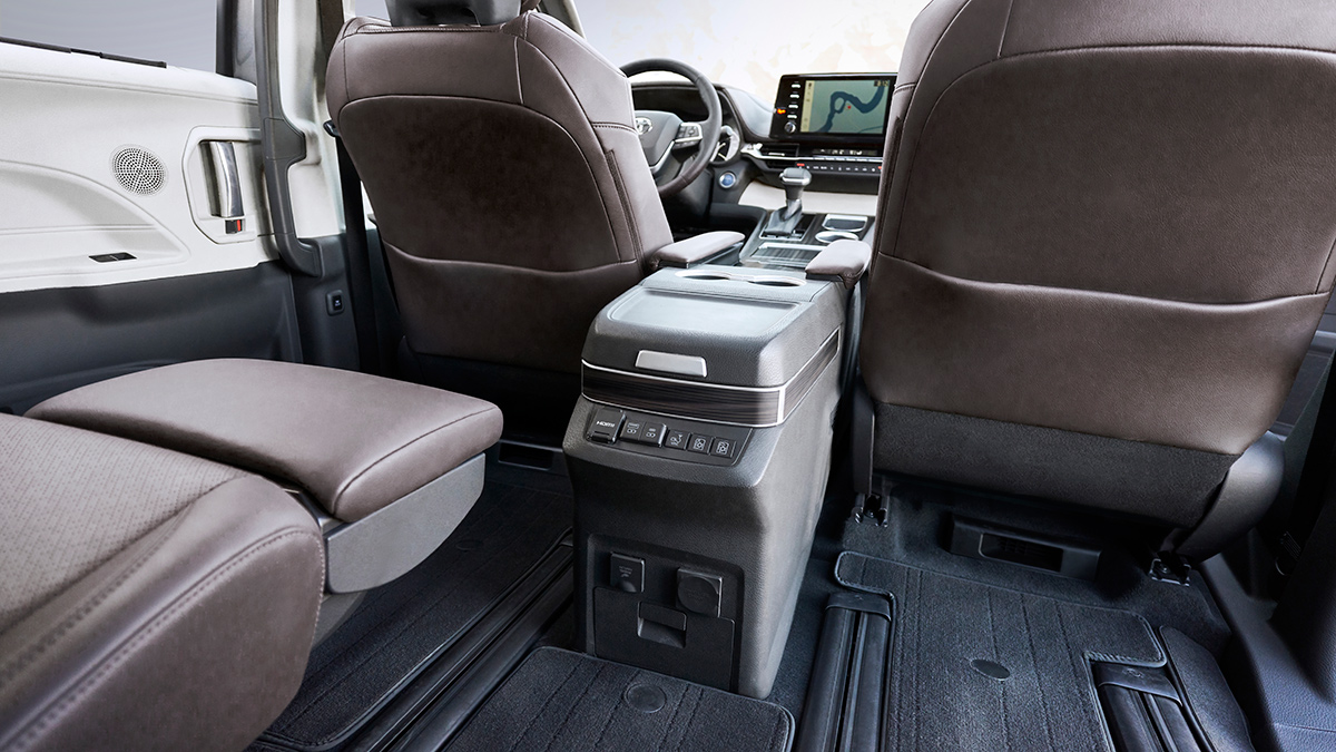 toyota has revealed the all new sienna minivan sienna minivan