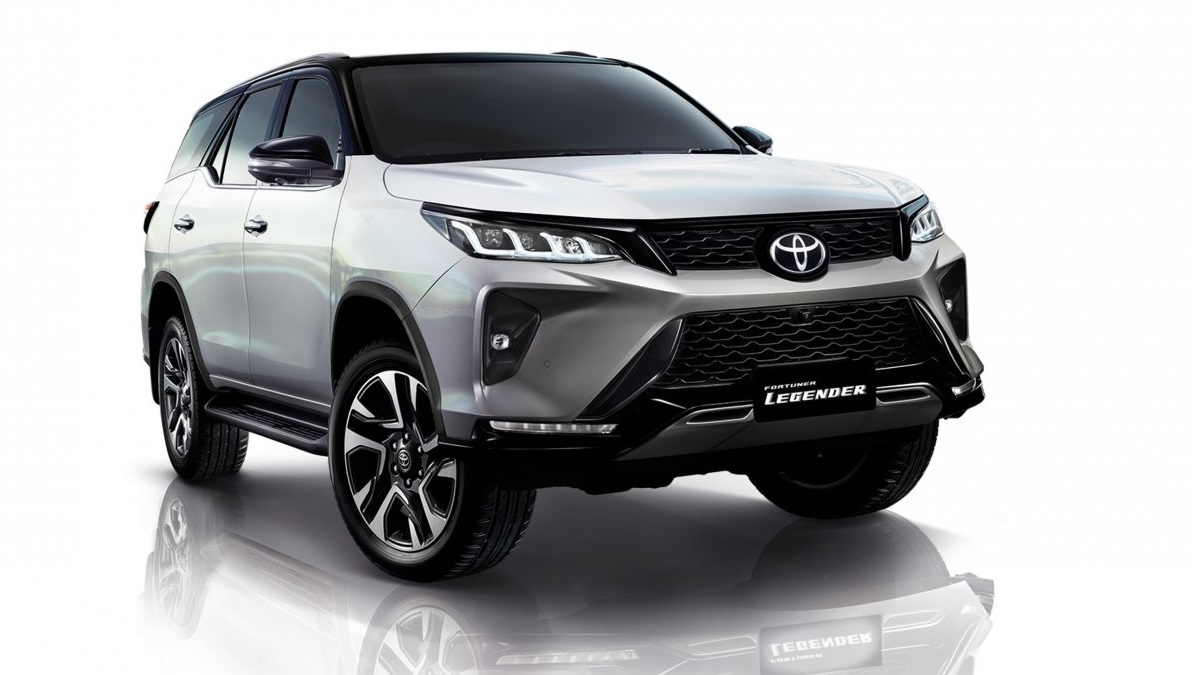 Toyota Fortuner Facelift Revealed With More Power & Updated Design
