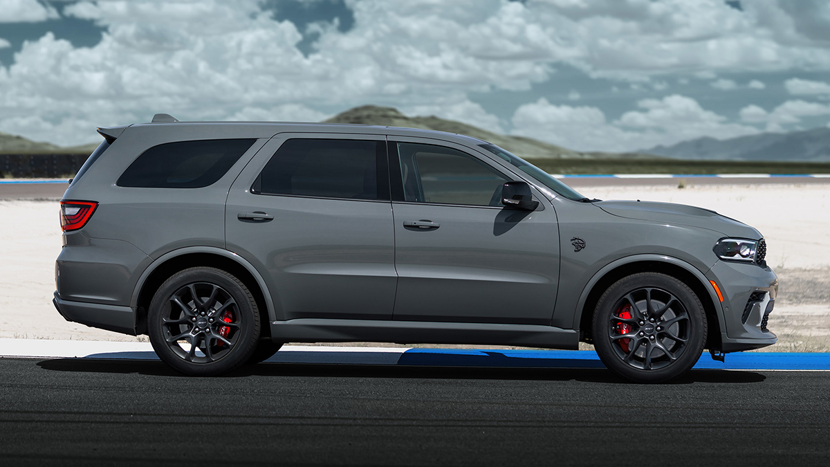 dodge has unveiled the 2020 durango srt hellcat with 710hp v8
