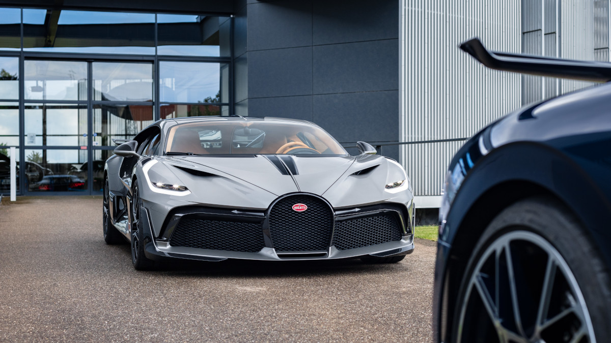 Bugatti holds a pictorial for the inaugural batch of Divo ...