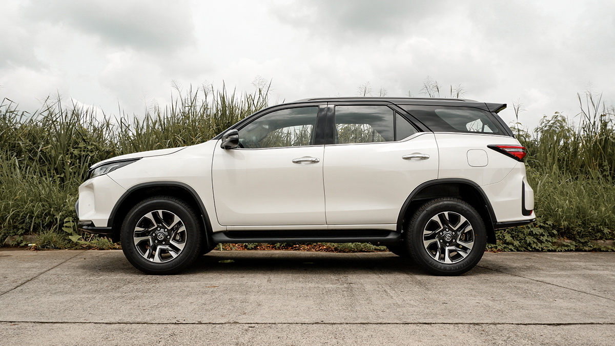 Toyota Fortuner - Parked on the road