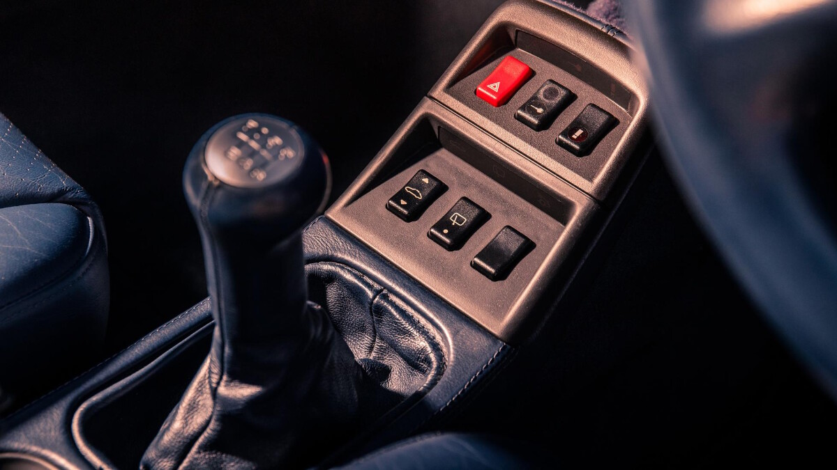The 1995 Porsche 911 Turbo - Gear Shift
