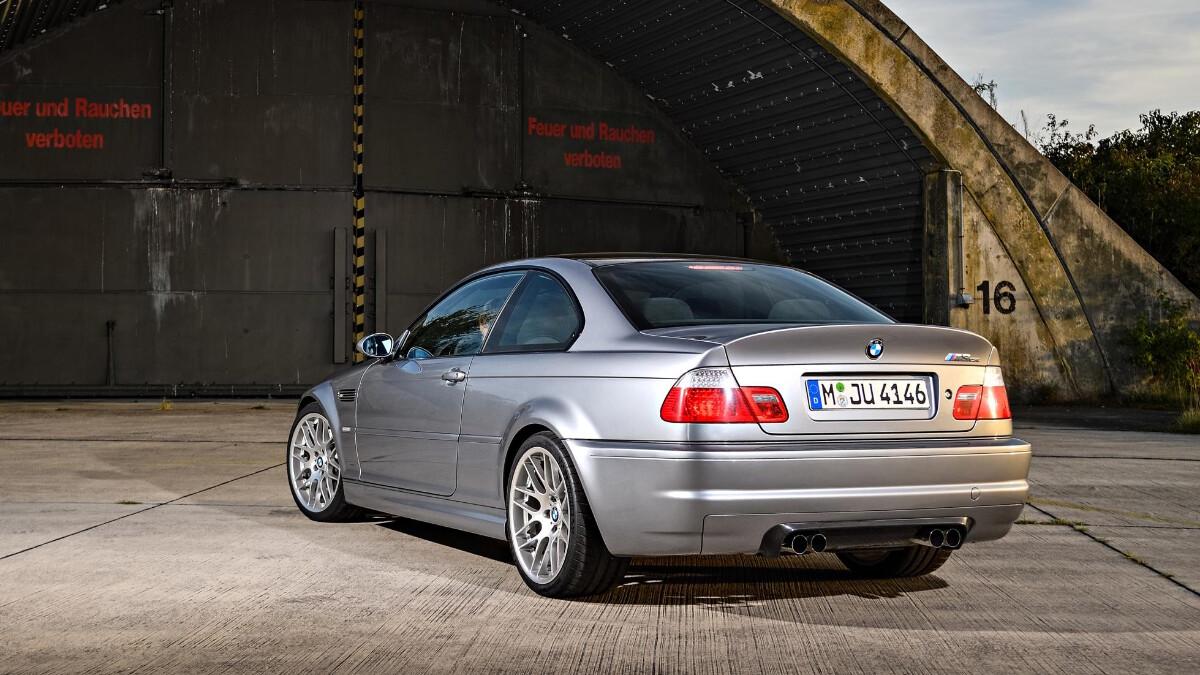 BMW M3 CSL - Hangar Feature Rear