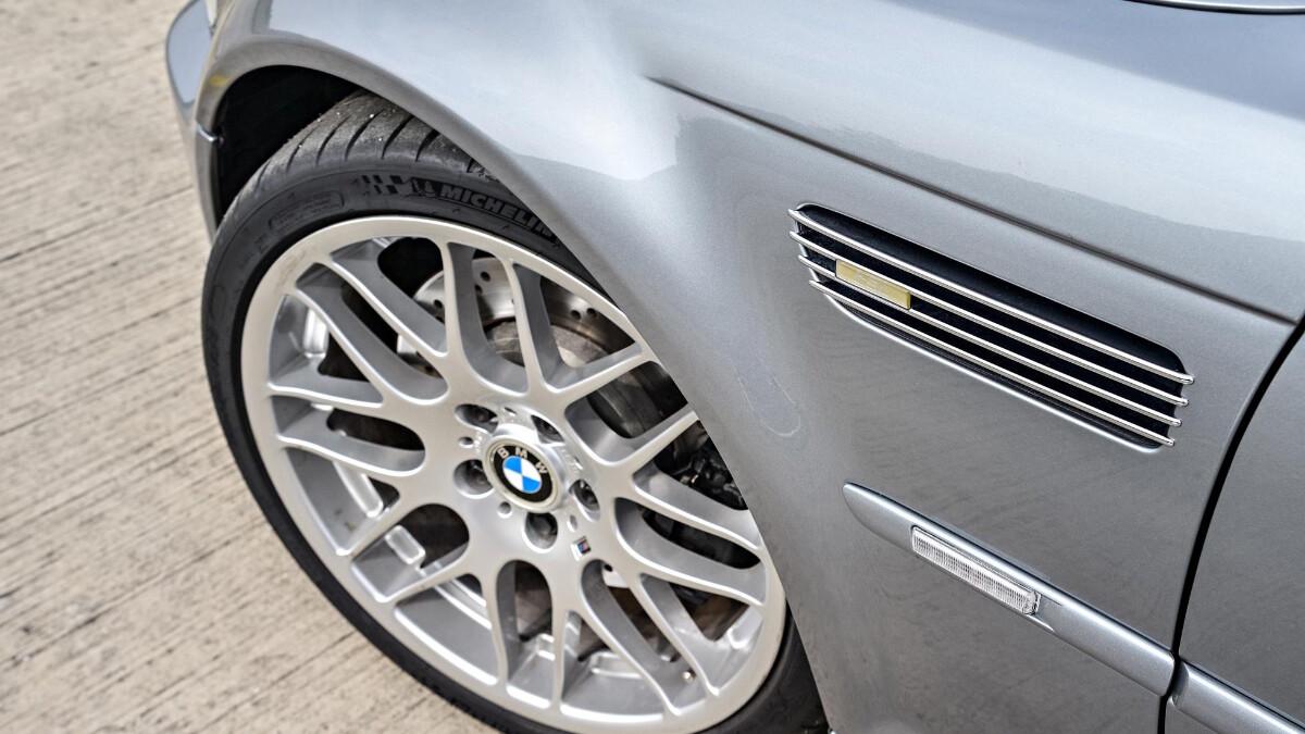 BMW M3 CSL - Front Wheel Top View