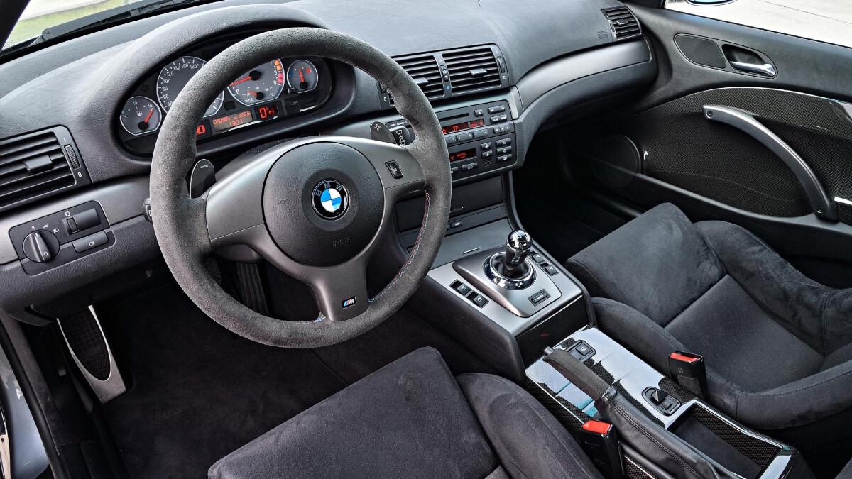 BMW M3 CSL - Interrior Steering Wheel Feature