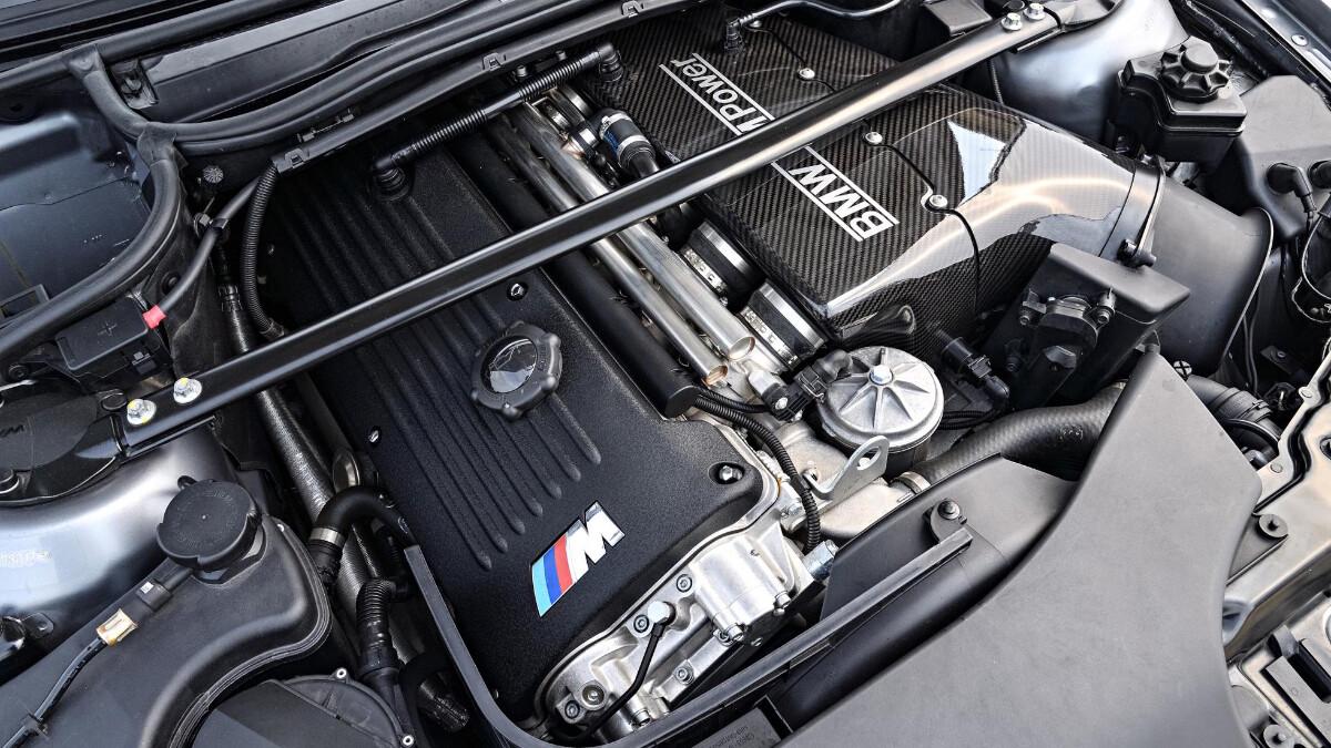 BMW M3 CSL - Engine