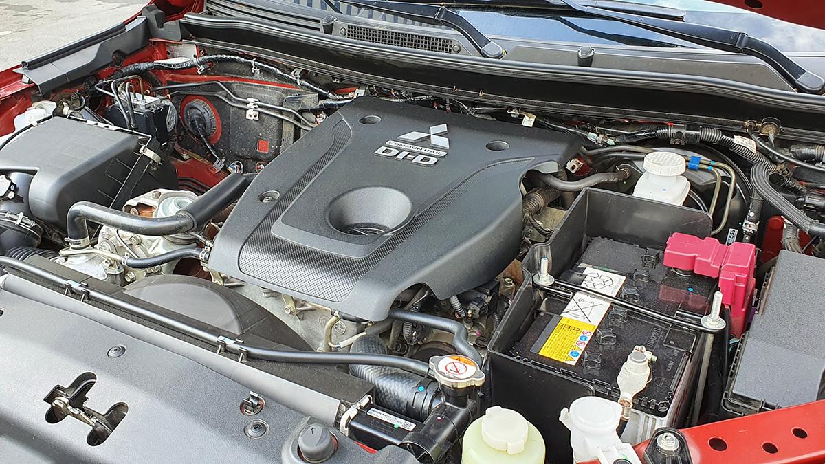 Mitsubishi Strada Athlete - Engine