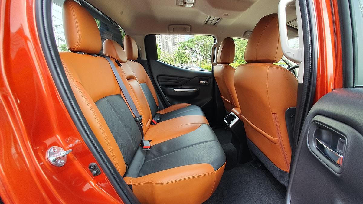 Mitsubishi Strada Athlete - Backseat Detail