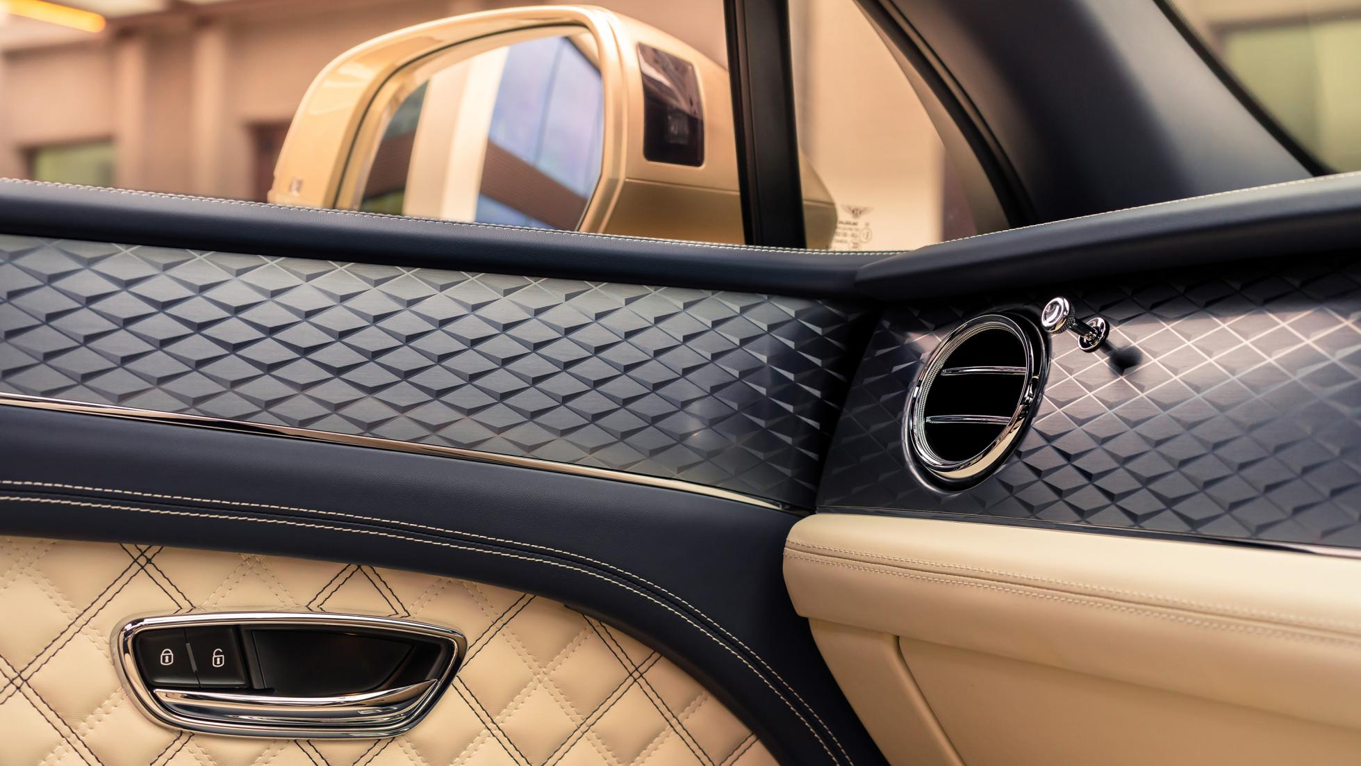 Bentley Bentayga Hybrid - Interior Detail