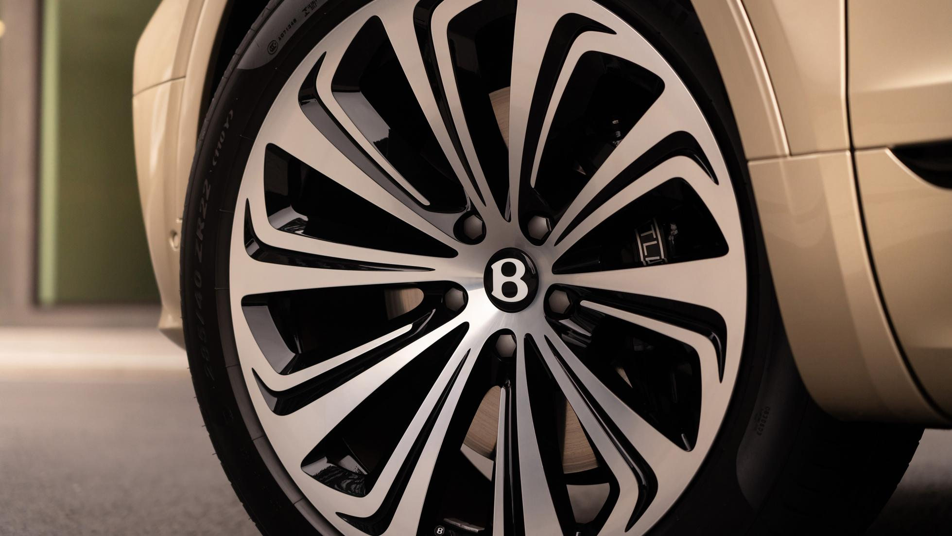 Bentley Bentayga Hybrid - Wheel