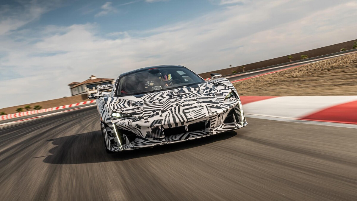 The 2021 McLaren Sabre - On the Road Front