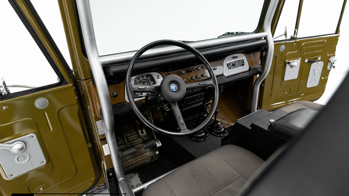A Restored Toyota FJ40 - Driver's Seat
