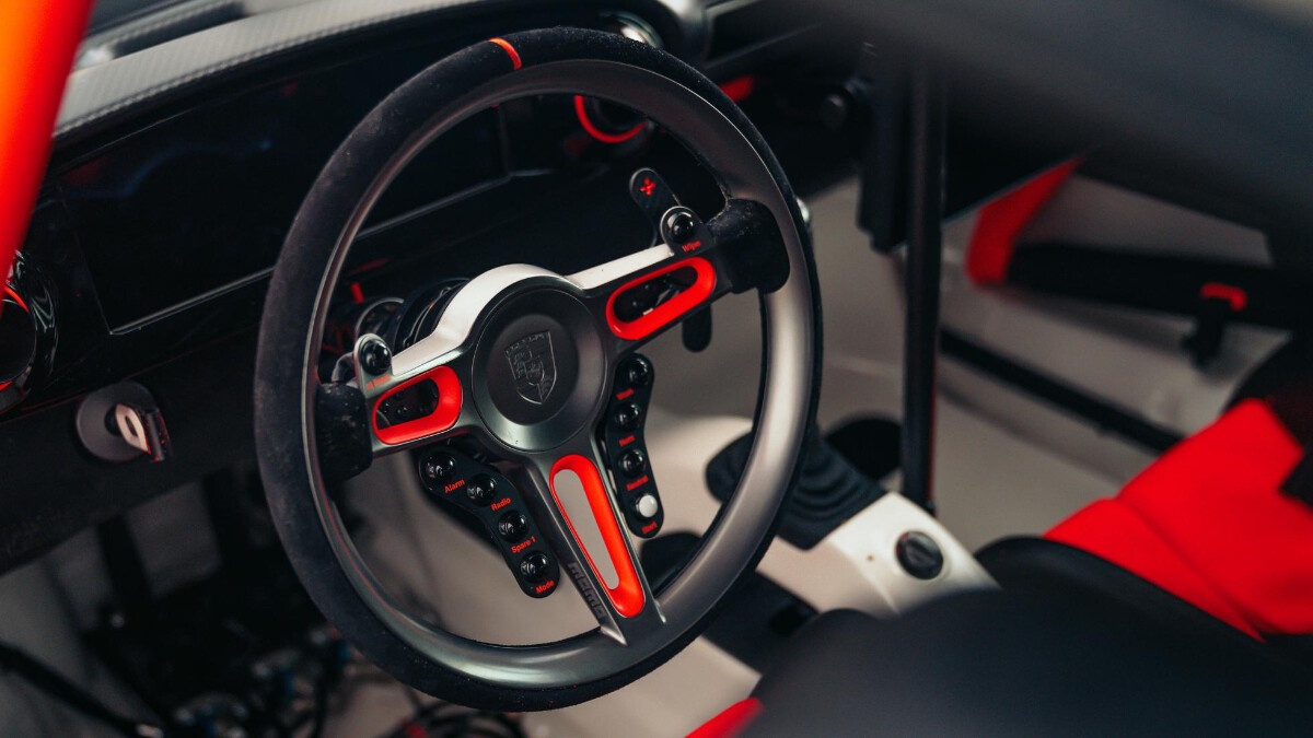 Singer ACS interior detail - steering wheel