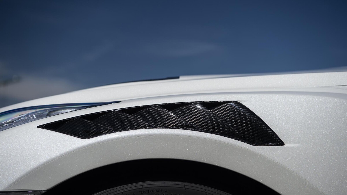Nissan GT-R Nismo front-side detail